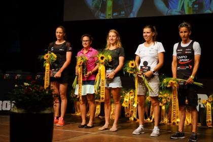 award ceremony © skechers performance alpine